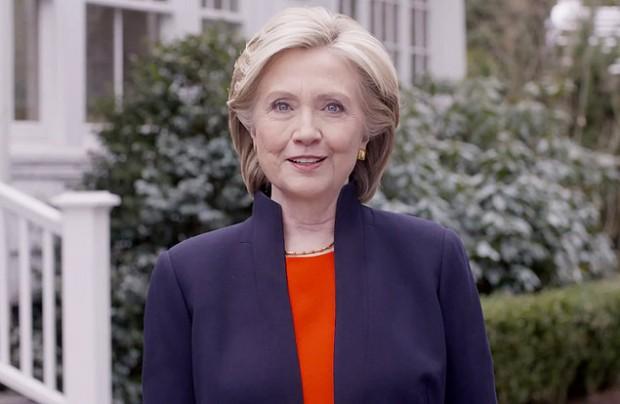Cena do anúncio da candidatura de Hillary Clinton à Presidência