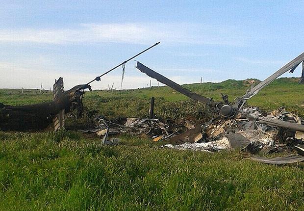 Helicóptero azeri derrubado no confronto com forças armênias no sábado (2). Crédito Associated Press