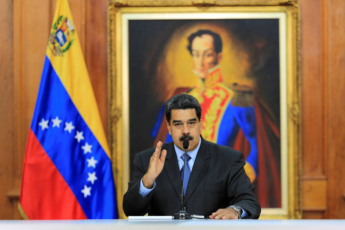 O ditador venezuelano Nicolás Maduro discursa no Palácio Miraflores em Caracas, em 7 de agosto de 2018